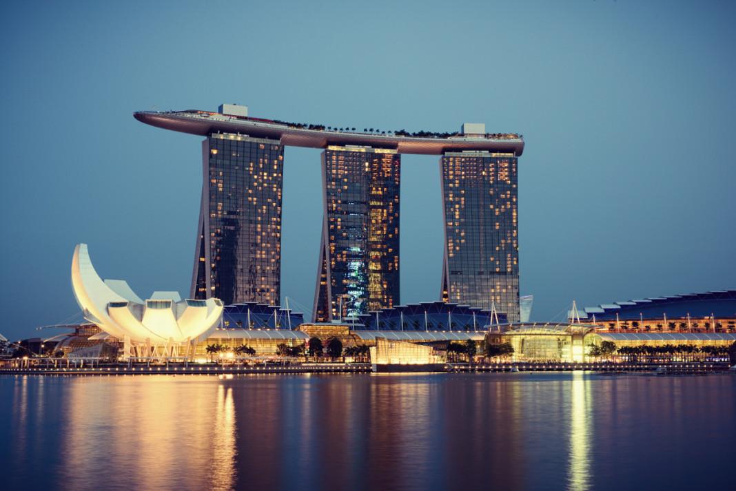 Singapore, Apple, Energy, Environment, Ambiente, Energia, iPhone, iPod, iPad, Close-up Engineering
