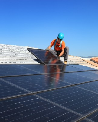 solar, oil and gas, energy, environment, PV, fossil fuel, US, jobs, industry, Solar Foundation, close-up engineering