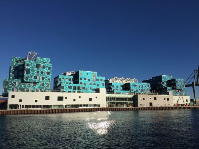 fotovoltaico, Copenhagen, piastrelle, filtri, solare, energia, sostenibilità, idee, innovazione, efficienza, ricerca, epfl, danimarca, ossidi, colori