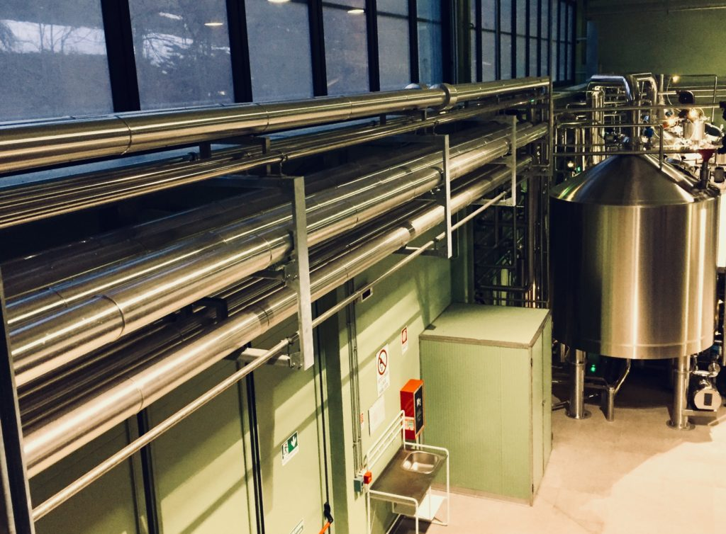 Baladin, birreria, birra, beer, energia, energy, ambiente, environment, sostenibilità, sustainability, industria 4.0, industry, fabbrica, lavoro, biologia, museo, museum, biology, Teo Musso, Langhe, Piemonte, Torino, Turin, Italy, Made in Italy, Italia, vino, tradizione, Belgio, Brussels, close-up engineering