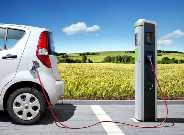 auto-elettriche-V2G-vehicle-to-grid-danni-batteria-carica-scarica-Close-up Engineering