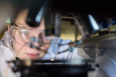 Proteine per la produzione di energia elettrica close up engineering - Costo piastrelle piezoelettriche ...