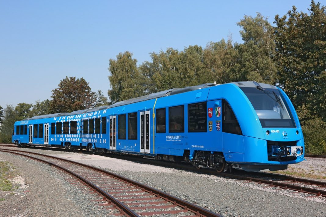 coradia-ilint-treno-idrogeno-celle-combustibile-germania-sassonia-alstom-eba-passeggeri-CuE