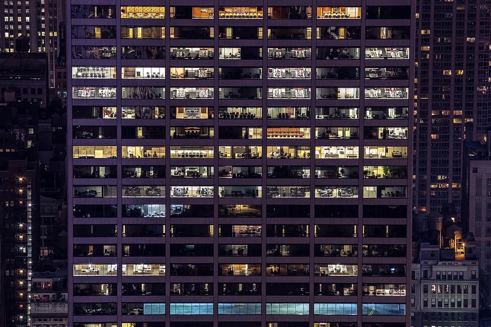 enea, assoimmobiliare, edifici, uffici, diagnosi energetiche, consumi, mix, sprechi, carichi, analisi, italia, benchmark