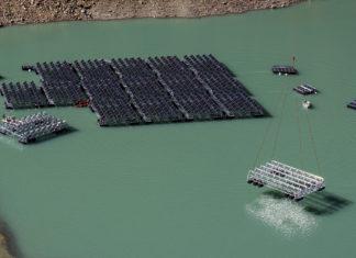 fotovoltaico galleggiante, fotovoltaico, energia, Svizzera, lago, montagne, Alpi, rinnovabili, solare, lac des Toules, Energy Close-up Engineering