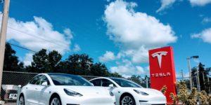 Tesla: le auto elettriche non si ricaricano più