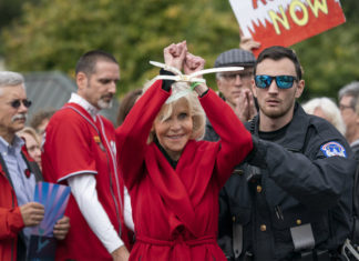 Jane, fonda, arresto, quarto, Washington, proteste, manifestazioni, fire, drill, Friday, campidoglio, star, attice, greta, thumberg, attivismo, clima, emergenza, climatica Energy Close-up Engineering