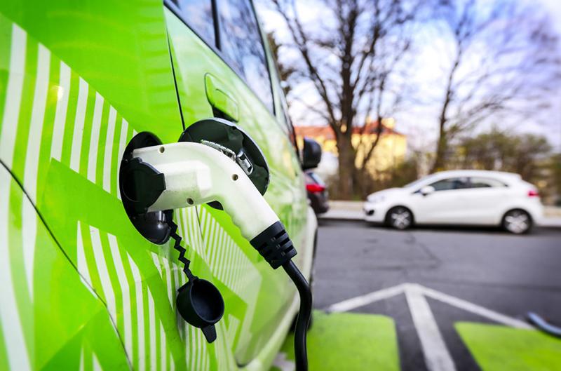 V2G, Veicoli Elettrici, Energie Rinnovabili, Isole, Sistema elettrico, Rete, Storage, Mobilità, Sostenibilità, Transizione, Fonti Fossili, Comunità Europea, Energy Close-up Engineering