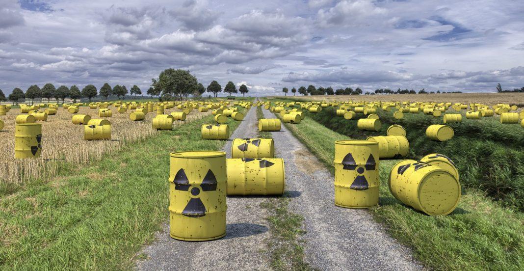 rifiuti-radioattivi-scorie-corrosione-fusti-nucleare-deposito-smaltimento-radioattività-cue