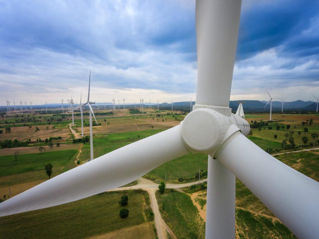 impatto ambientale, turbine, eoliche, progettazione, installazione, fonti rinnovabili, ambiente, rispetto, costruzione, sistemi, flora, fauna, disposizione, strade, percorsi, mezzi di trasporto, dismissione, rumori, Energy Close-up Engineering