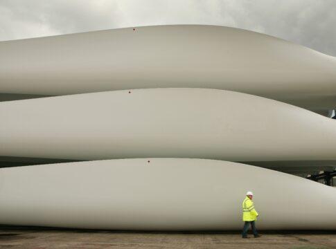 Eolico, rinnovabile, turbine, pale, riciclaggio, integrazione architettonica, sostenibilità, innovazione, energia eolica, economia circolare, sviluppo, edilizia, ingegneria civile, Energy Close-Up Engineering
