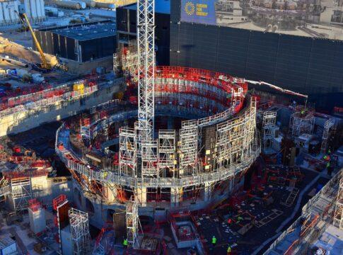 ITER, fusione nucleare, nucleare, energia, reattore, impianto, ENEA, Italia, progetto, tecnologia, innovazione, cavi, conduttori, temperatura, campo magnetico, plasma, elettricità, Energy Close-up Engineering