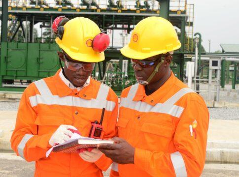 Shell, Nigeria, disastro ambientale, petrolio, inquinamento, combustibili fossili, idrocarburi, Niger, fiume, delta, versamento, compagnia, causa, processo, sentenza, risarcimento, condanna, Energy Close-up Engineering