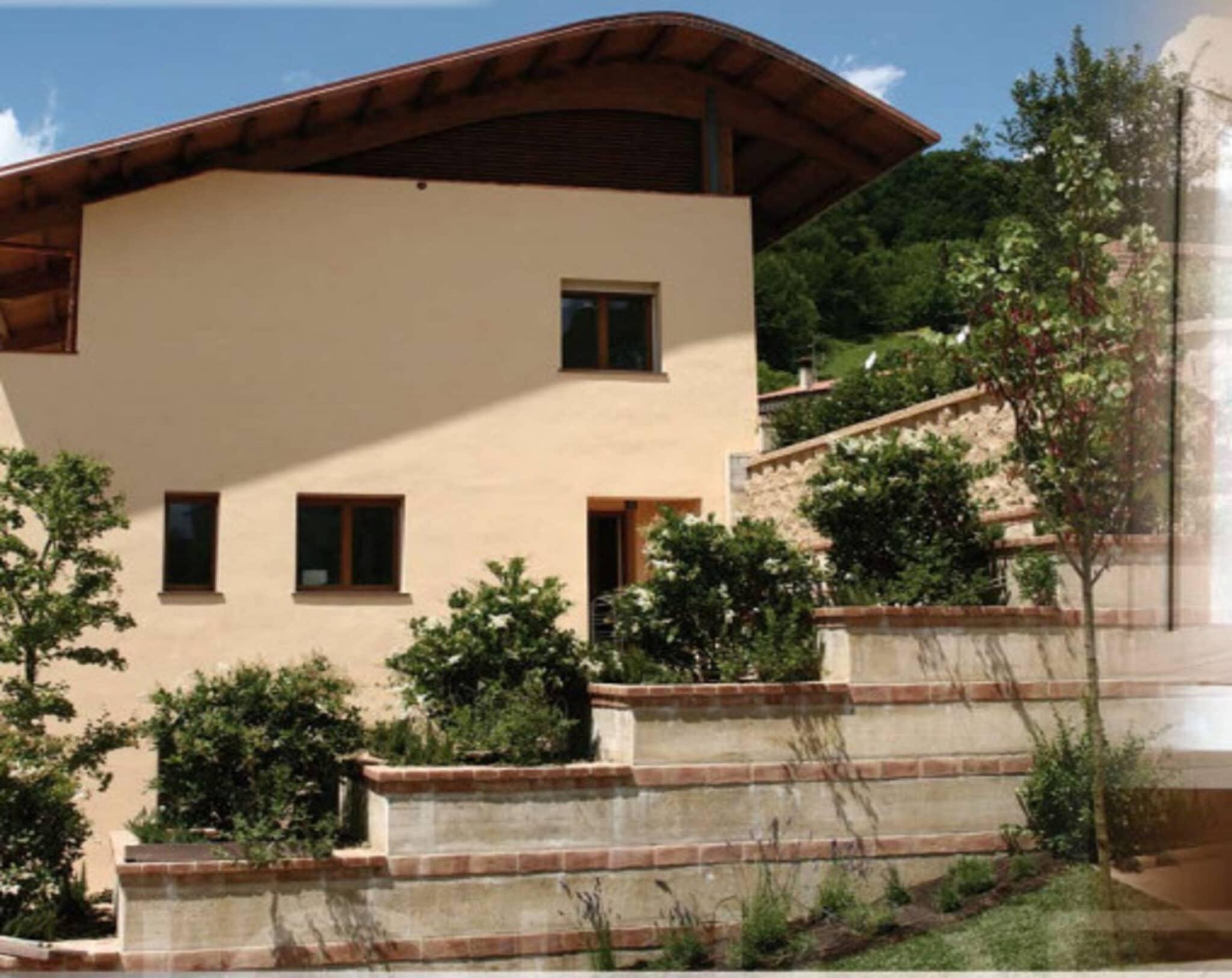 Leaf house, emissioni, rinnovabili, solare, risparmio, involucro, pannelli, geotermico, efficienza, impianti, sprechi, acqua, aria, recupero, consumi, Energy Close-up Engineering