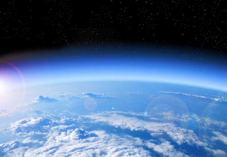 Le emissioni aumentano e la stratosfera si riduce