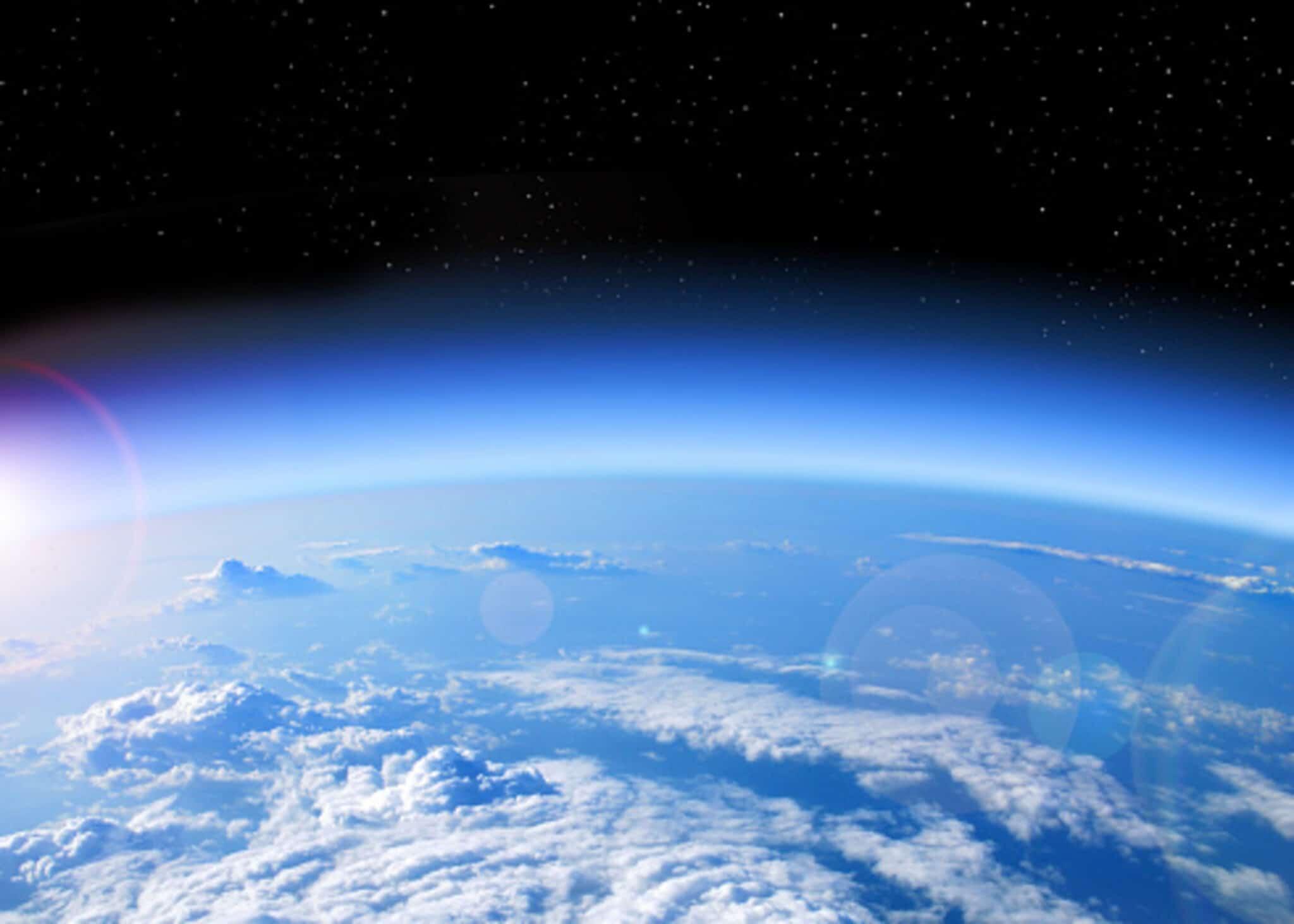 Emissioni, stratosfera, danni, ozono, riduzione, anidride carbonica, gas serra, studio, ricerca, riscaldamento, clima, conseguenze, ambiente, scoperta, spessore, comunicazioni, Energy Close-up Engineering