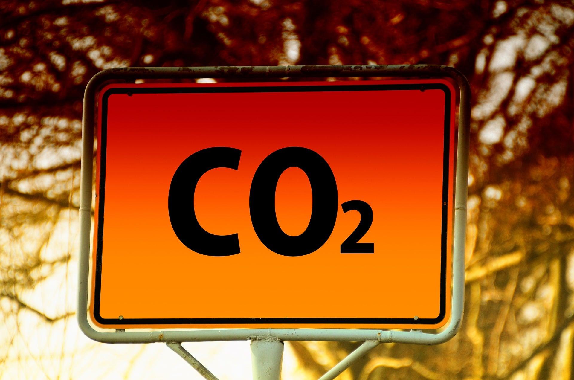 Anidride carbonica, inquinamento, combustibili fossili, giacimenti, cattura, stoccaggio, low carbon, re Energy Close-up Engineering.