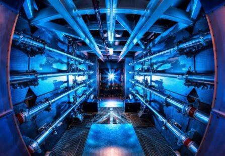 Fusione nucleare: 1,3 MJ in 100 trilionesimi di secondo al NIF