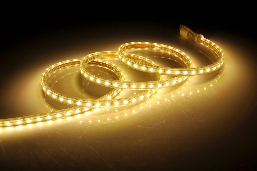 led,strisce,illuminare,energia,efficienza,consumi, design,light designer, ambienti, illuminazione, diodi, colori, intensità, EnergyCuE